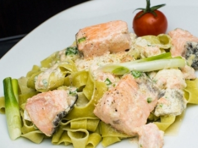 Pasta with salmon - quick and delicious